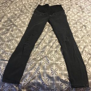 NWOT H&M Mama Black Distressed Maternity Jeans